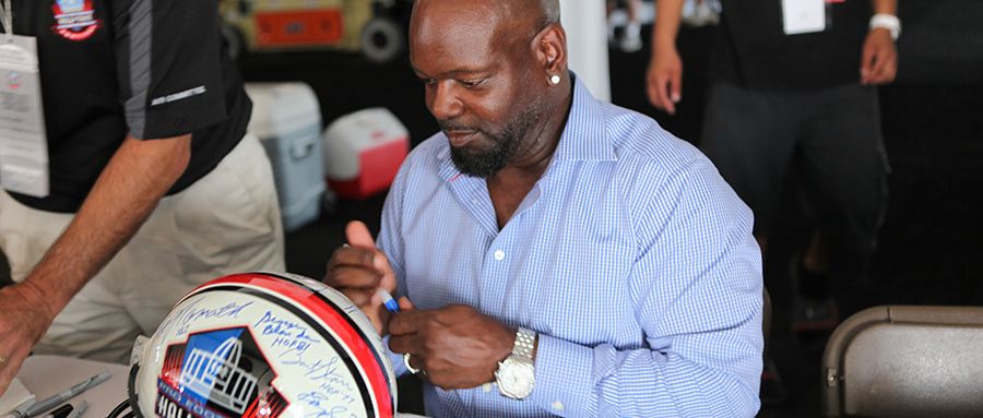 /assets/1/6/emmitt-smith-900-auto-session-2.jpg